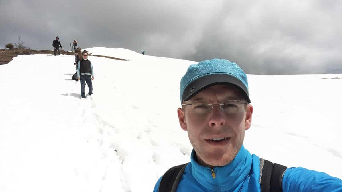Durch schöne schneebedeckte Stellen ging es den Grat hinauf und hinunter.