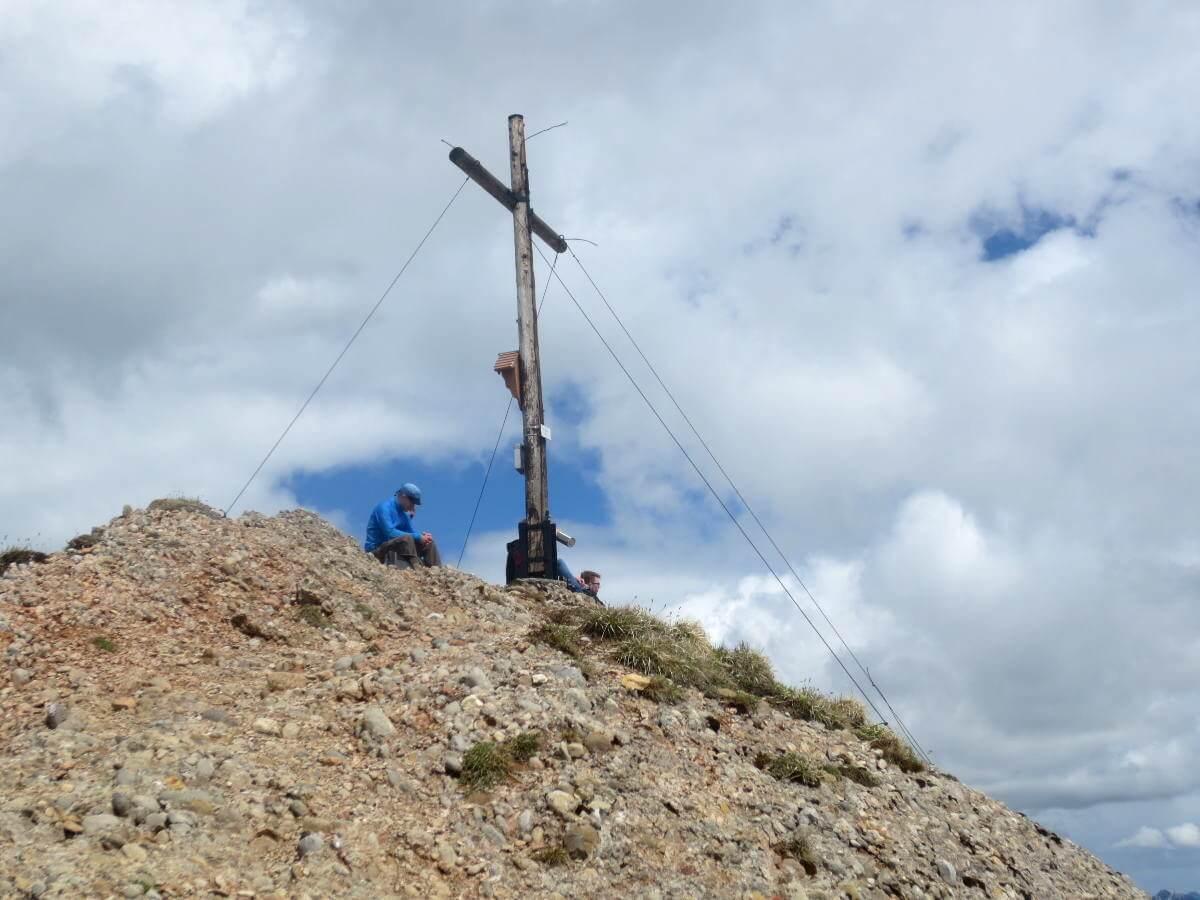 Brotzeit auf dem Gipfel des Rindalphorn