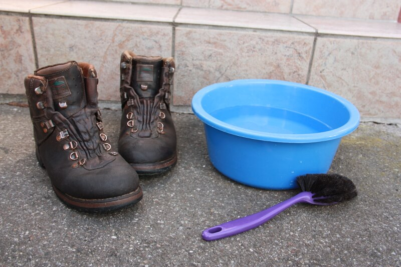 5 SCHRITTE] Schnelle und effektive Schuhpflege | BERGINSTINCT