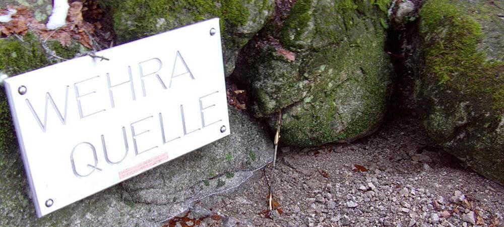Die Wehra Quelle liegt auf dem Weg